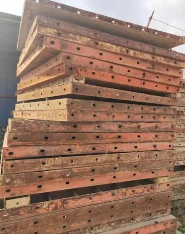 废旧钢模板回收